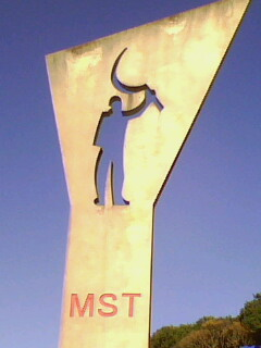 Solidariedade ao MST!